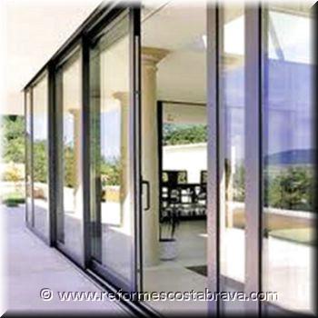 Cerramientos de aluminio y pvc puertas aluminio puertas for Puertas para cerramientos